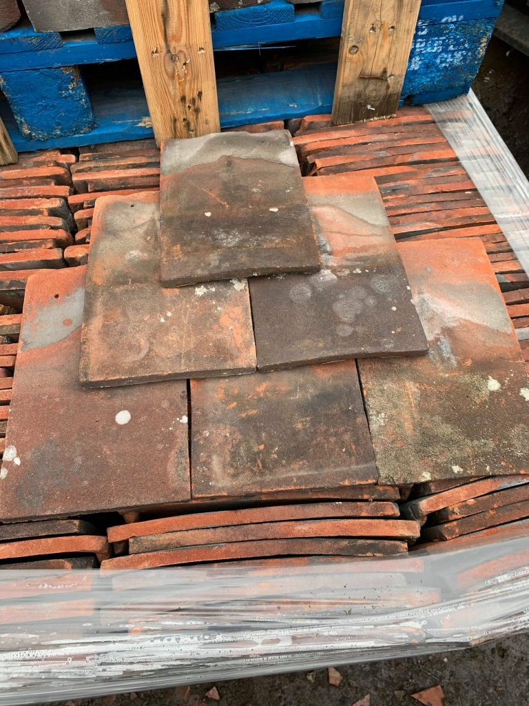 Reclaimed Roof Tiles Tucker Loughborough - Lofthouse Roofing Supplies