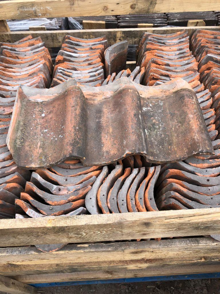 reclaimed machine made clay pantiles roof tiles - reclaimed lofthouse roofing supplies